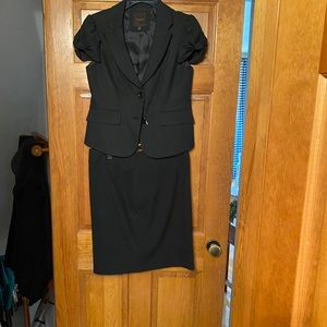 2 pc suit from The Limited. Top:small. Skirt: 6.